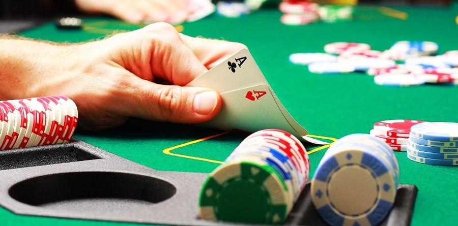 Nguyen tac bat di bat dich khi choi game Poker Online Hinh 1