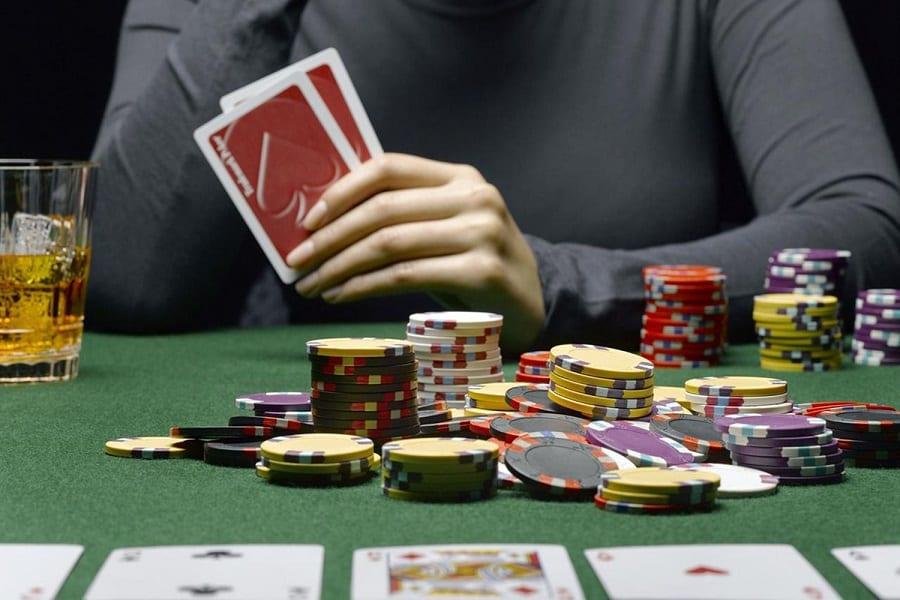 "Bo tui kinh nghiem giup chon ban choi ""ngon"" trong Poker Online Hinh 2"