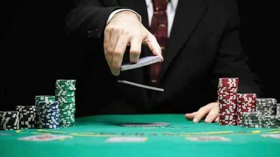 Poker là gì? Có thể kiếm tiền từ poker hay không? - Hình 2