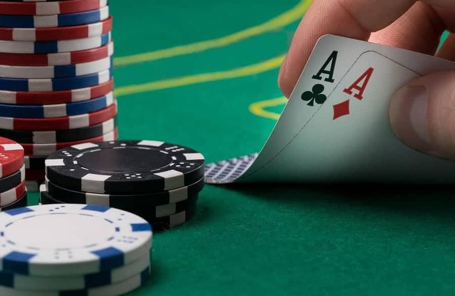 Hướng dẫn cách chơi Poker căn bản nhất
