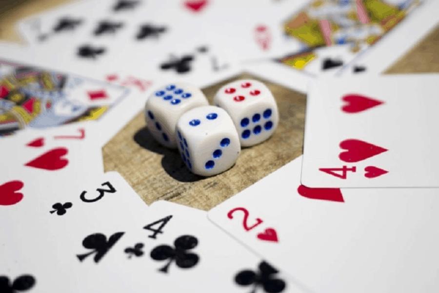 Giữa hai sự lựa chọn cửa Banker và Player? Bạn chọn cửa cược nào?