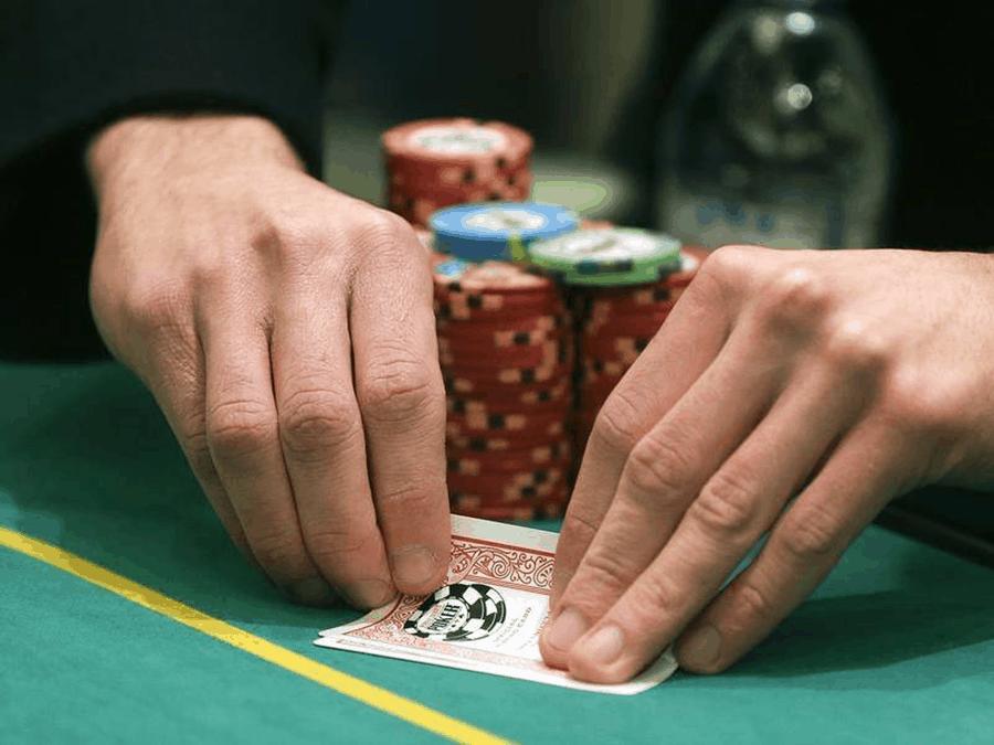 Cách đối phó với 4 dạng người chơi trong Poker