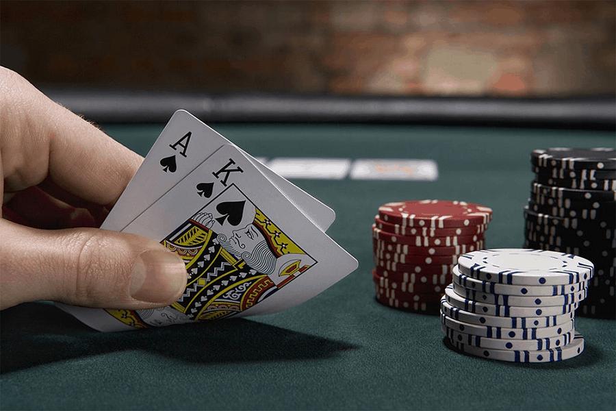 Học cách chơi Poker qua những lời khuyên cần thiết
