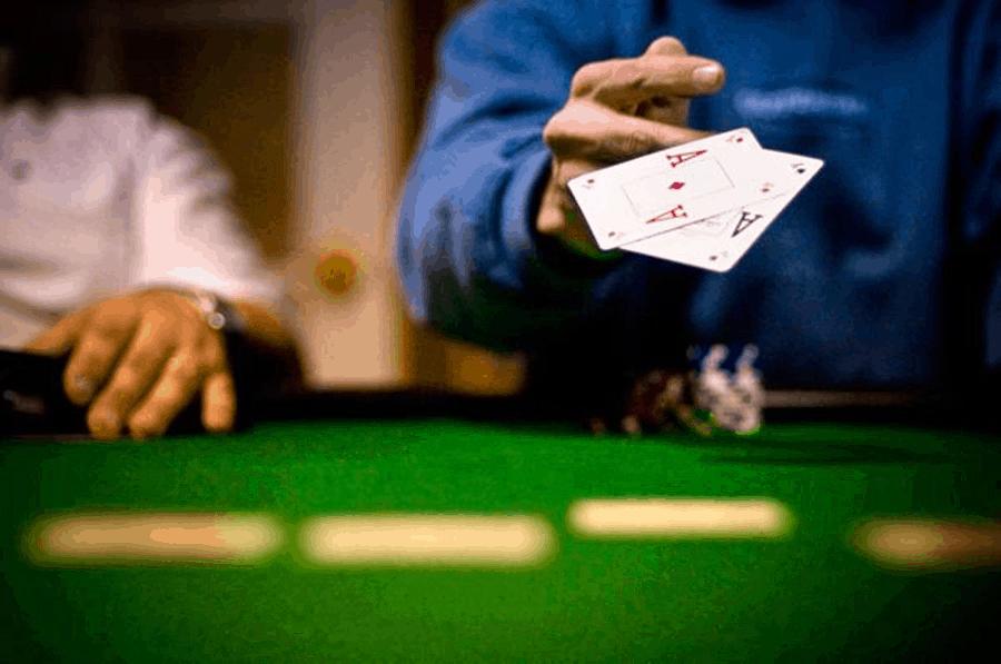 """Những loại """"bẫy"""" cần tránh khi chơi Poker"""