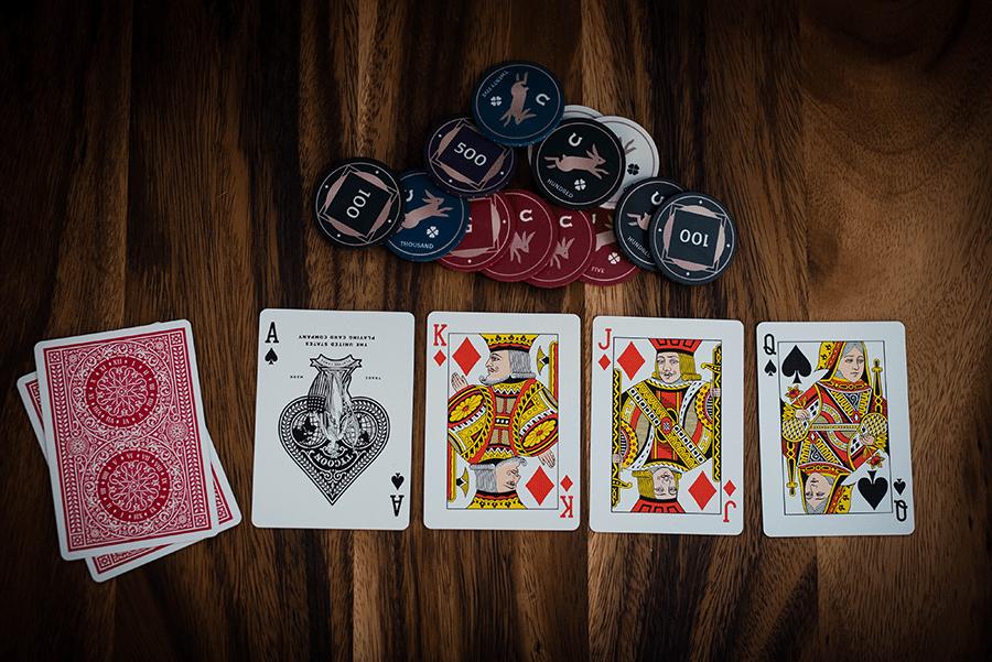 tim hieu ve nhung luat choi trong game ca cuoc an tien poker