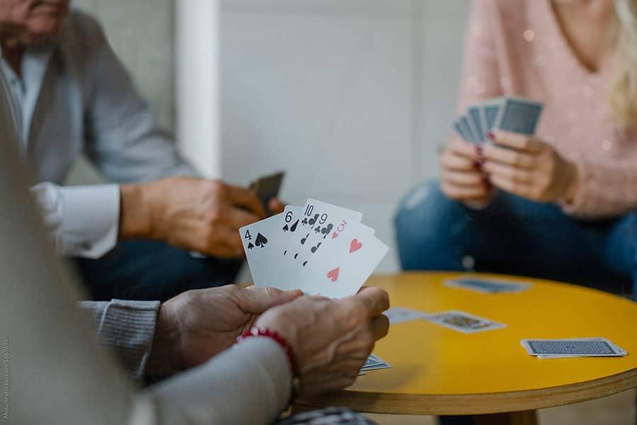 Những lời khuyên có giá trị khi chơi Phỏm ăn tiền
