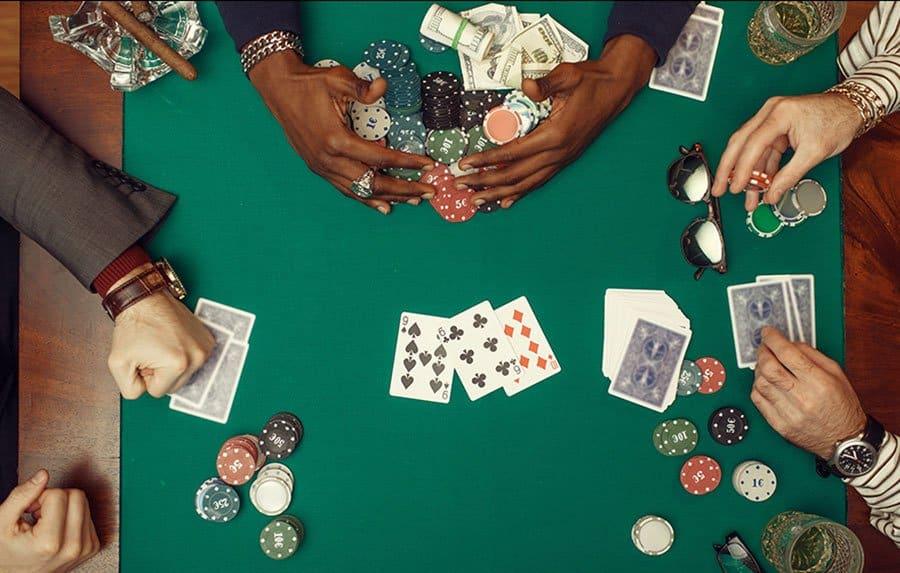 Các mẹo để phát triển trong Poker giúp bản thân hoàn thiện hơn