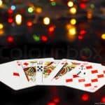 Kiếm tiền dễ dàng và nhanh chóng với Poker