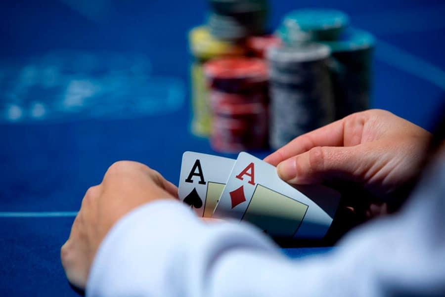 Những kiểu niềm tin trong Poker online nên từ bỏ